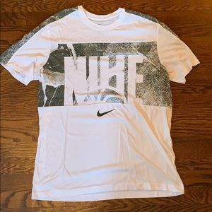 Nike Men's Tee